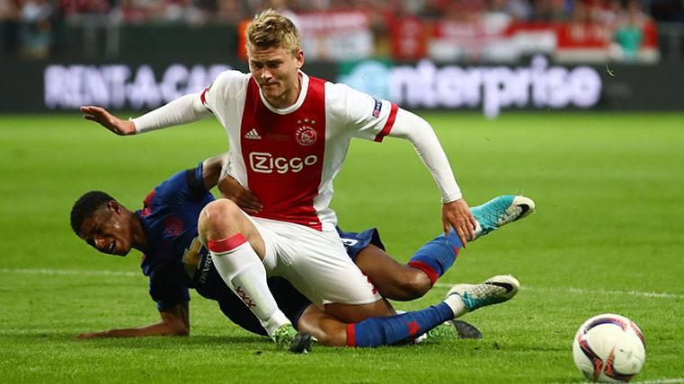 En el Ajax ven a De Ligt y a Luis Suárez jugando juntos