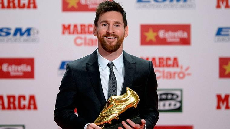 """Messi: """"Siempre que voy al banquillo se arma revuelo"""""""