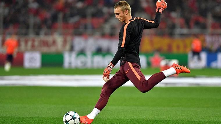 """Cillessen, sin distracciones: """"Mi ambición es jugar en el Barça"""""""