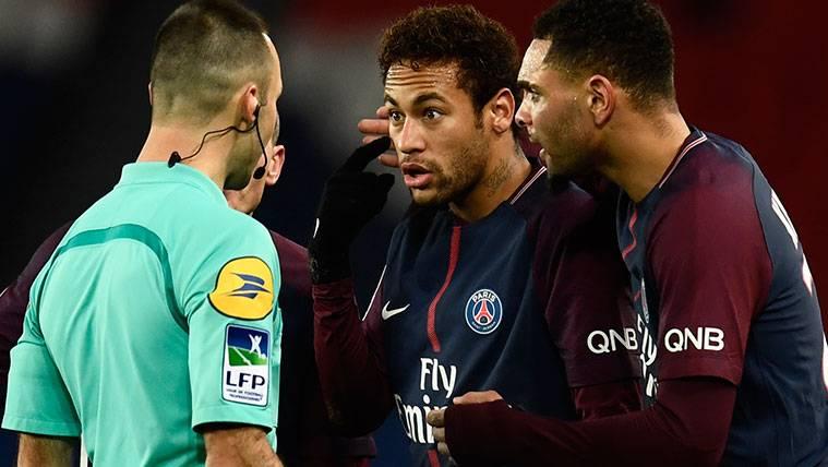 La extraña sanción que deberá cumplir Neymar con el PSG