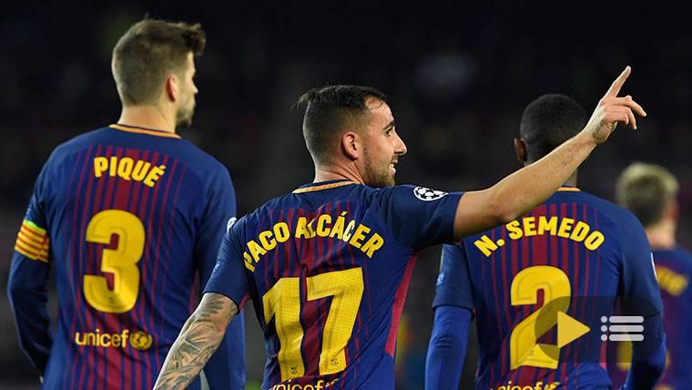 Jugadores del Barcelona celebrando el gol de Alcácer