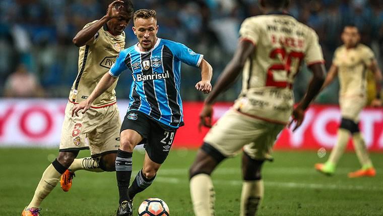 ÉXITO: Arthur da el 'OK' y no quiere perder el tren del Barça