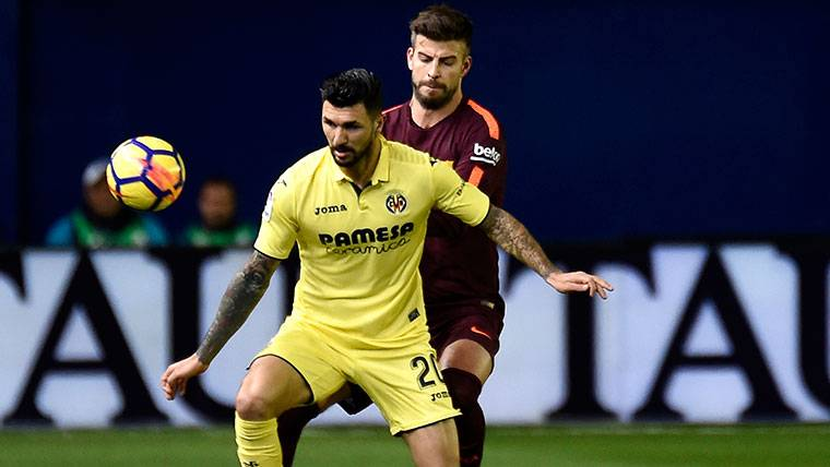 Susto de Jordi Alba y Piqué, a la cruceta contra el Villarreal