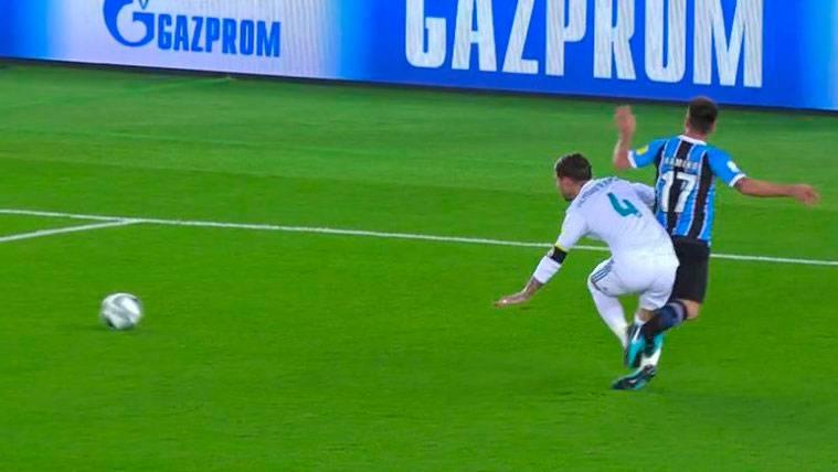 POLÉMICA: Penalti de Sergio Ramos antes del 1-0 del Real Madrid