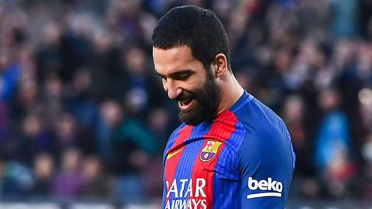 El FC Barcelona sacaría de 10 a 15 millones por Arda Turan