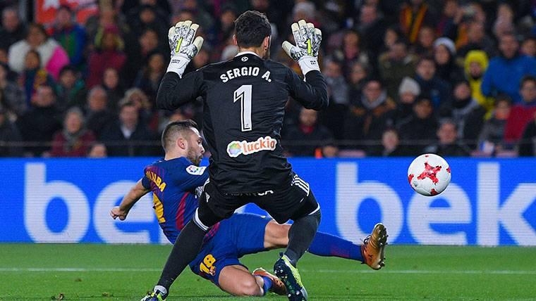 Al revés también funciona: Messi regaló el tercer gol a Alba