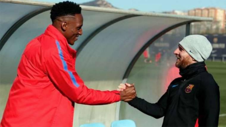 Leo Messi, dando la bienvenida al Barça a Yerry Mina