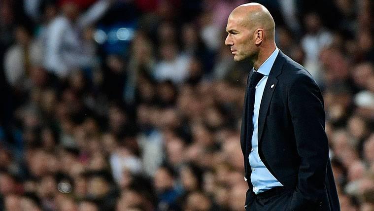 Fin de la flor: Zidane, discutido y con el despido rondando
