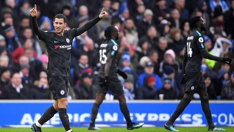 Hazard lidera al Chelsea para recuperar la senda del triunfo