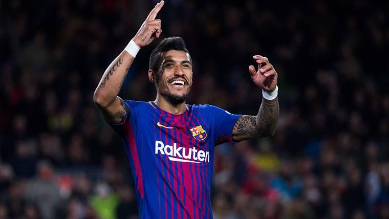Escapada romántica de Paulinho antes del 'tourmalet' del Barça