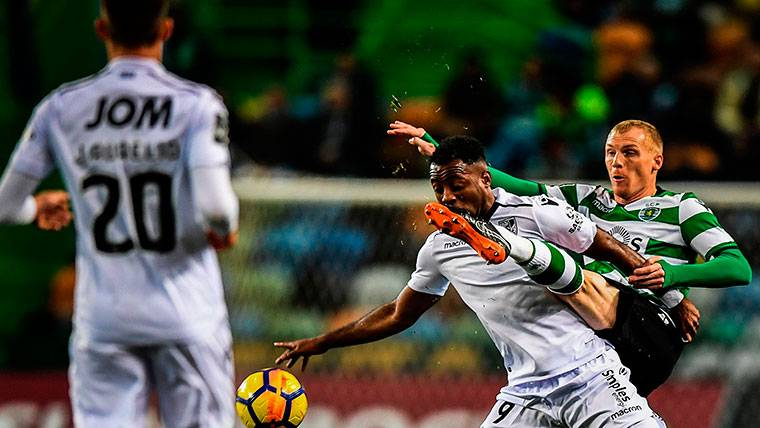 Multan al Sporting de Lisboa por culpa de Jeremy Mathieu