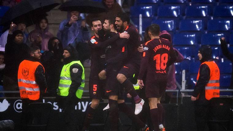 ¡LaLiga denuncia los insultos a Piqué y al Barça en Cornellá!
