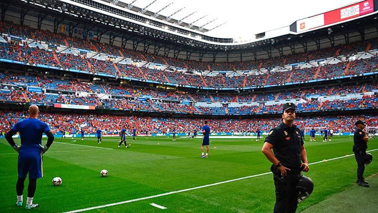 ¿Más 'obras' en el Bernabéu para evitar la final Barça-Sevilla?