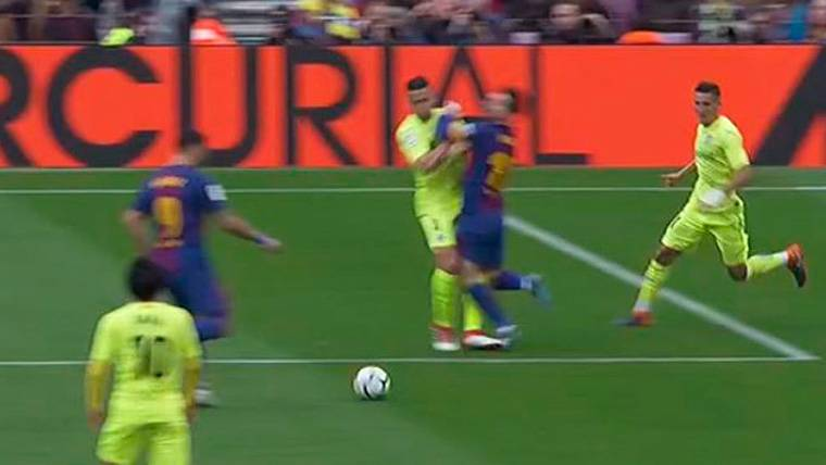 El posible penalti no pitado a Messi que pudo cambiarlo todo