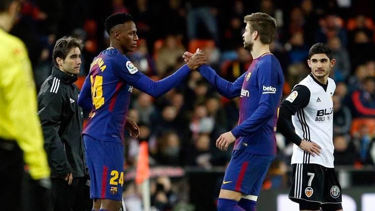 Gerard Piqué, referente y ayuda para Yerry Mina en el Barça