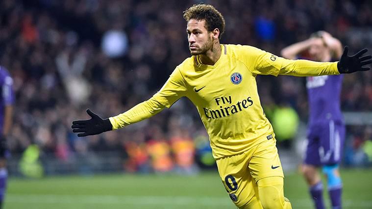 Neymar en un partido del Paris Saint-Germain