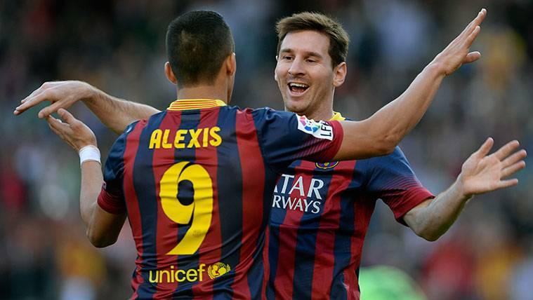 Alexis confiesa que un día vio llorar a Messi en el vestuario