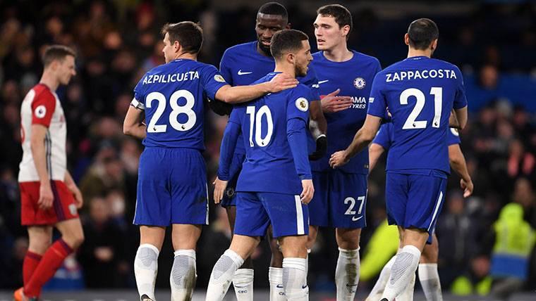 El Chelsea, celebrando la victoria obtenida contra el West Bromwich Albion