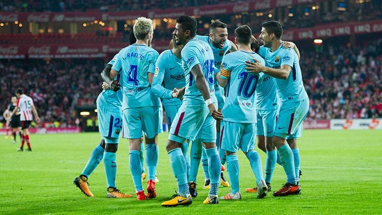 Los jugadores del FC Barcelona celebran un gol contra el Athletic