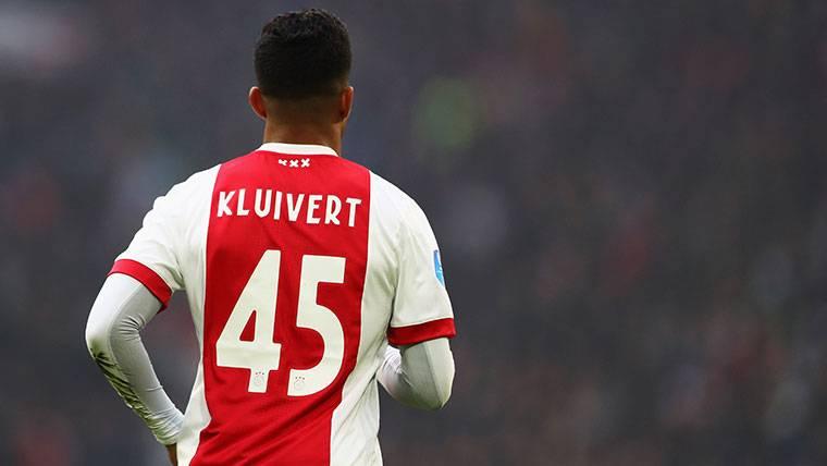 El FC Barcelona apuesta por Kluivert y las 'joyas' del Ajax