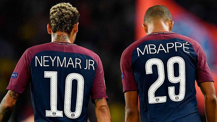Neymar y Kylian Mbappé en un partido del Paris Saint Germain