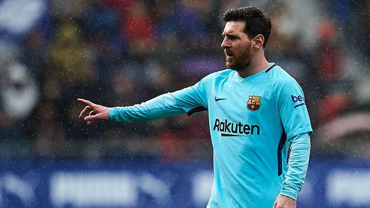 GENIO: ¡Otro golazo imparable de falta directa para Messi!