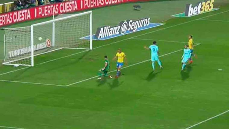 Messi y Suárez perdonaron un gol que pudo valer dos puntos