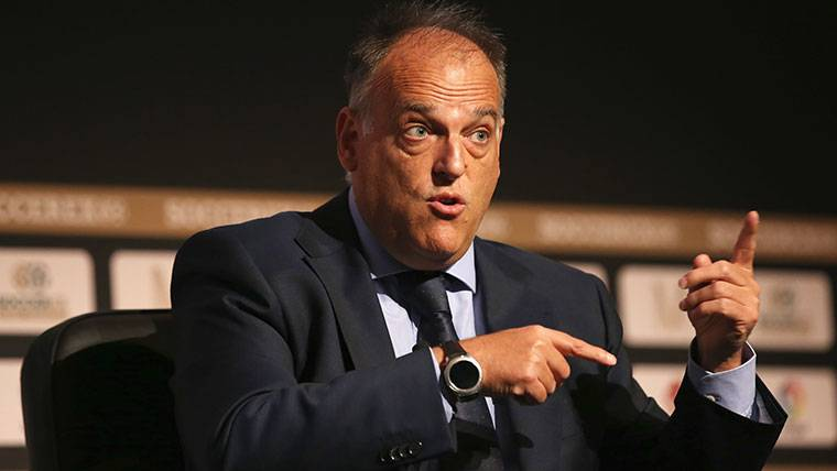 El presidente de LaLiga arremete contra Luis Suárez y Piqué