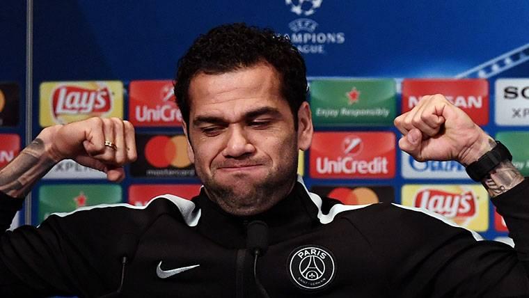 Alves da las claves para remontar al Real Madrid en Champions