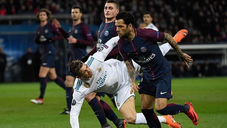 ¡Dani Alves explota por la polémica con Cristiano Ronaldo!