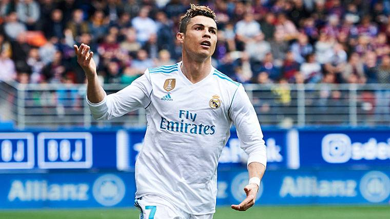 Cristiano se acerca con peligro a Messi y Suárez en el Pichichi
