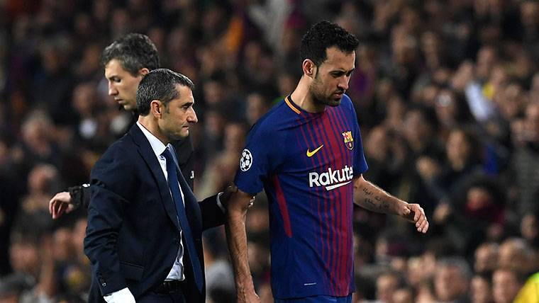 ALARMA: Sergio Busquets se retiró lesionado ante el Chelsea