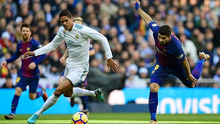 La respuesta de Varane sobre la posibilidad de fichar por el Barça