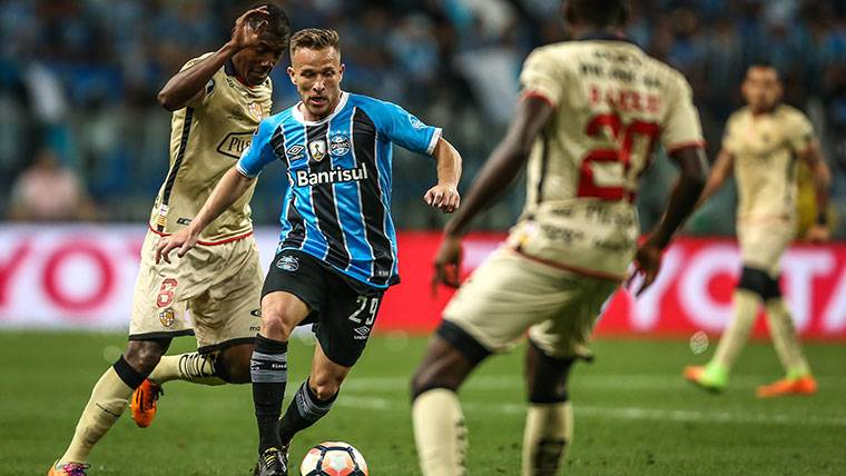 El Barcelona ya habría empezado a pagar el fichaje de Arthur