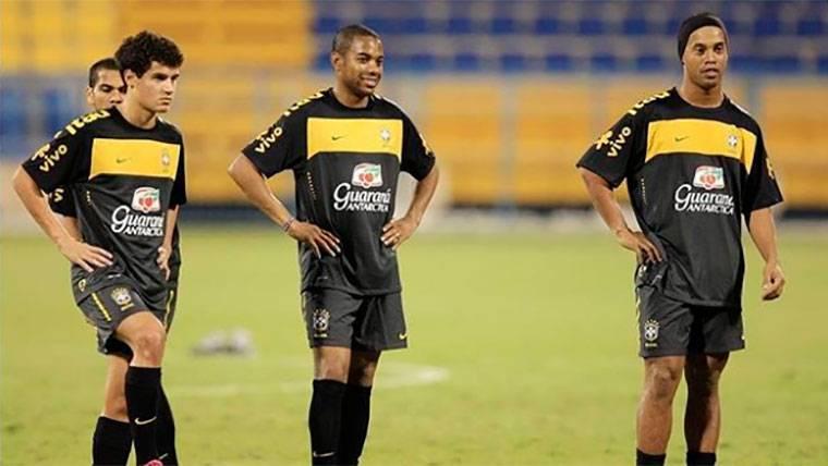 El mensaje de Philippe Coutinho a Ronaldinho y a Robinho