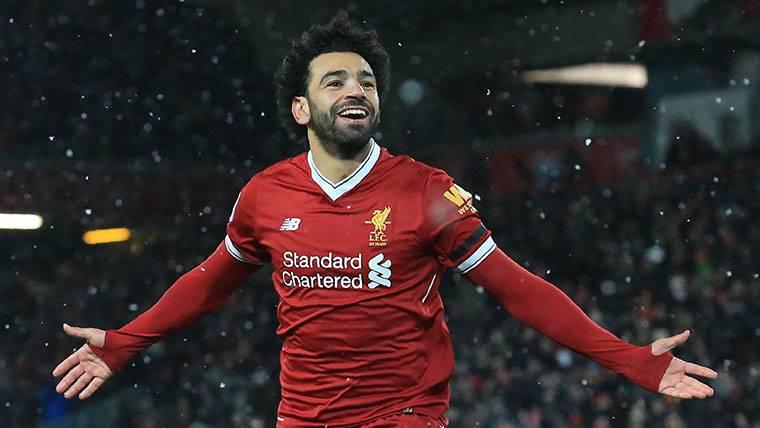 Salah marca cuatro goles y le complica la Bota de Oro a Messi