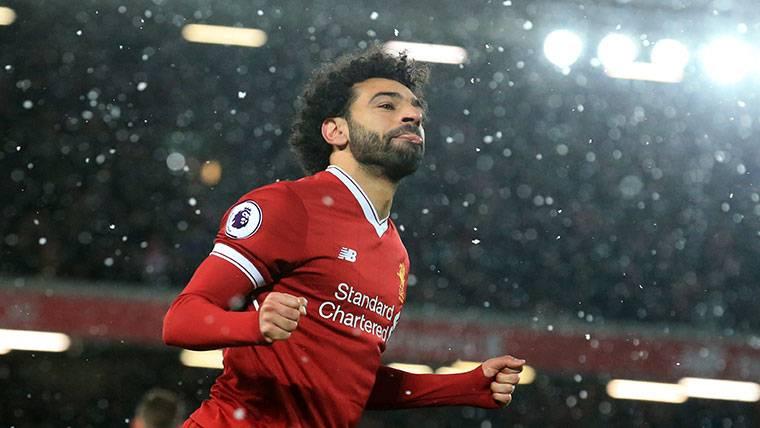 Klopp se atreve a comparar a Salah con Messi y Maradona