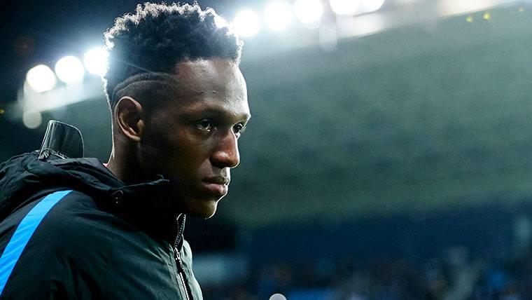 La Premier League, ¿solución temporal para Yerry Mina?