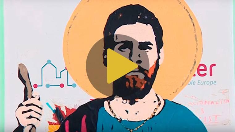 Un graffiti en la ciudad de Barcelona convierte a Leo Messi en santo