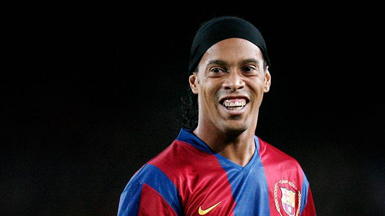 ¡Ronaldinho se pasa a la política y podría presentarse a las elecciones!