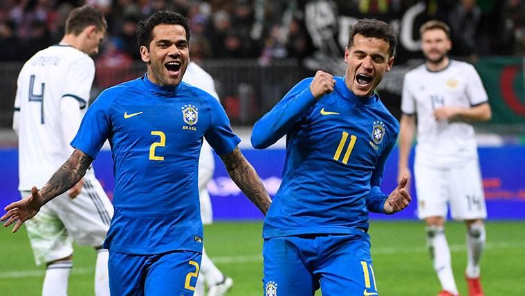 Coutinho y Paulinho marcan con Brasil en una prueba satisfactoria sin Neymar