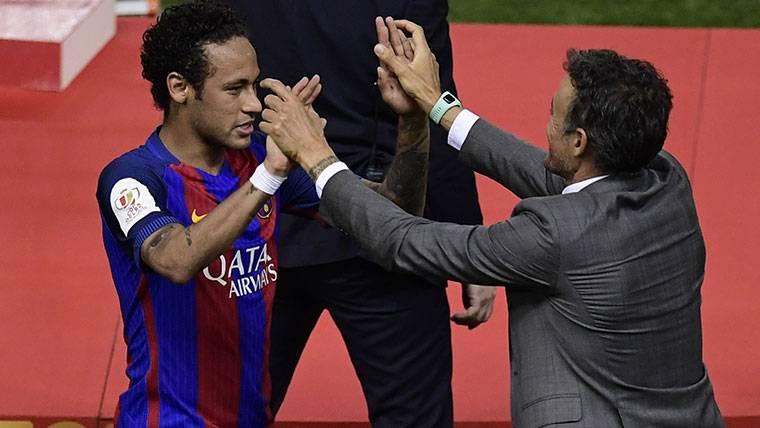 """Neymar, al presidente del PSG: """"Fiche a Luis Enrique, el mejor"""""""