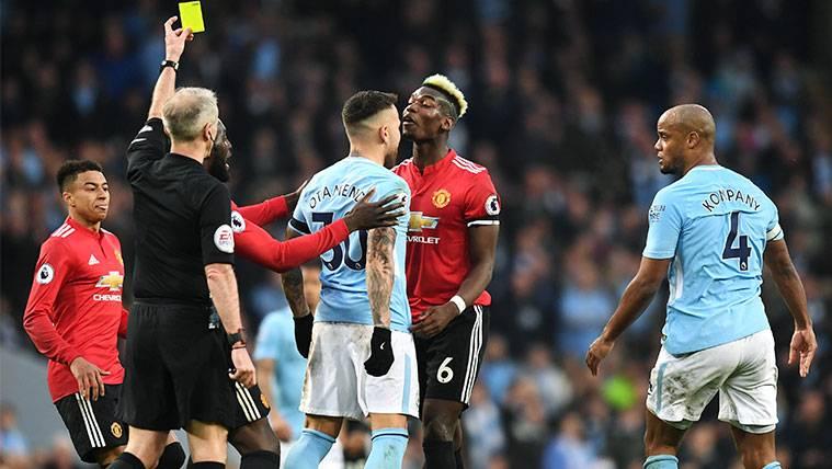 El Manchester United remonta y aplaza el alirón del City en la Premier League