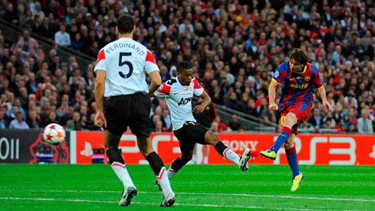 ¿Por qué hay una foto de Leo Messi en los vestuarios del Manchester United?