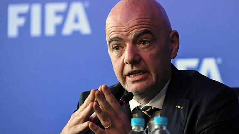 ¡La FIFA se plantearía prohibir las cesiones de jugadores!