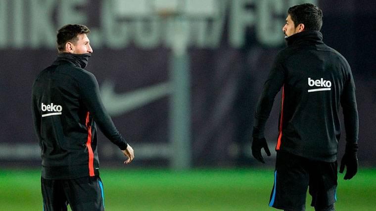 Misteriosa tardanza de Messi y Suárez en el entreno del Barça