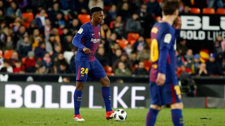 Aleix Vidal aconseja a Yerry Mina por su falta de minutos en el Barça