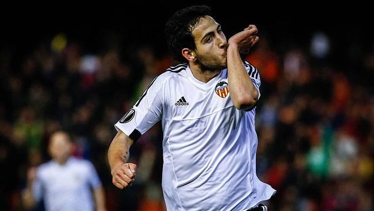 El Valencia se acercó gracias a un penalti que casi para Ter Stegen