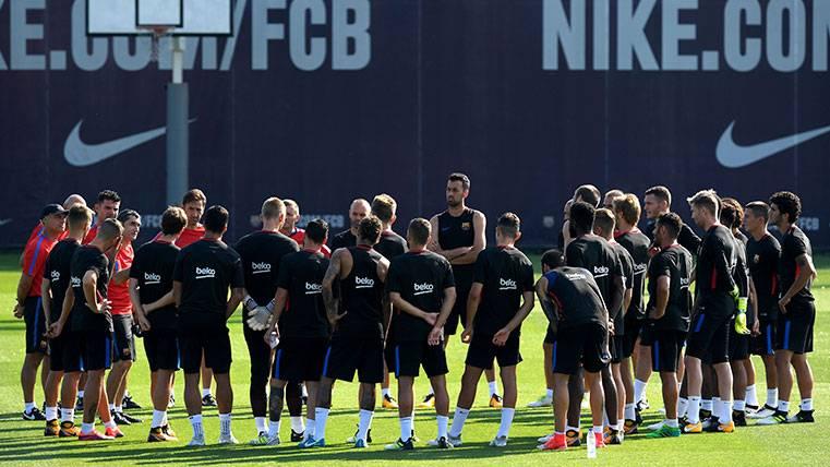 Los jugadores del Barça en una sesión de entrenamiento