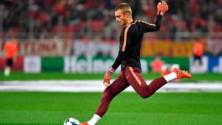 Jasper Cillessen en un calentamiento del FC Barcelona